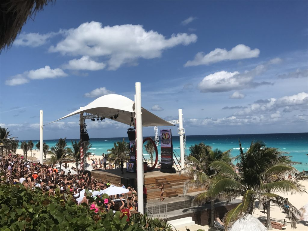 Hotels cancun party spring break THE 10